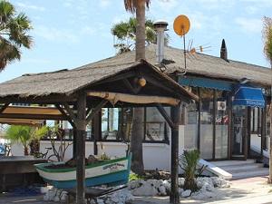 Vermijd de buitenlandse toeristen en geniet van het strand